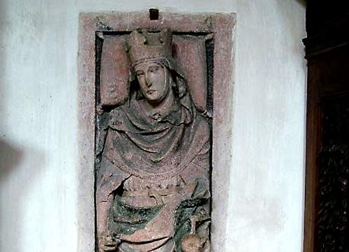Надгробие св. королевы Эммы Баварской. Регенсбург. Изображение: Википедия. Автор фото: Krischnig. Переработано: А. Потупин.