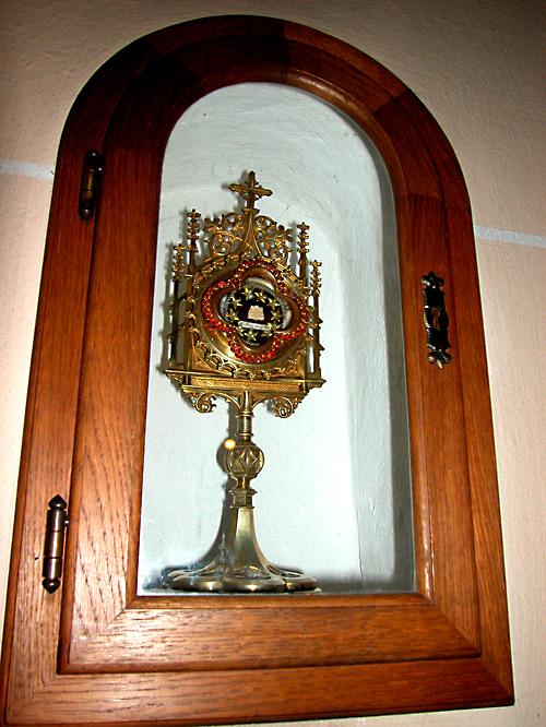 Церковь св. Иакова, Нойкирхен, частица мощей апостола.  Фото: Алексей Потупин.
